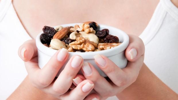 6 trucos para calmar el dolor con alimentos curativos - Alimentos prohibidos con hemorroides ...