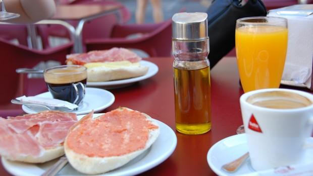 Desayuno en Sevilla 620x350 - Desayuno sano: fundamental para perder peso