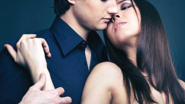 hombre y afecto portada 620x350 - Cómo enamorar a un hombre y no perderlo
