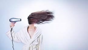 woman 586185 1280 290x166 - ¿Verdadero o falso? Cuánto sabes sobre la caída del cabello