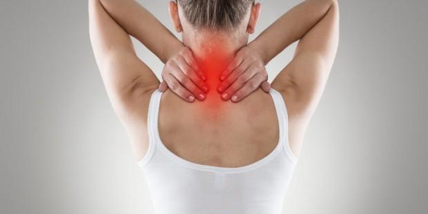 38046950 s 620x310 - Las 3 rutinas diarias que fomentan el dolor de cuello