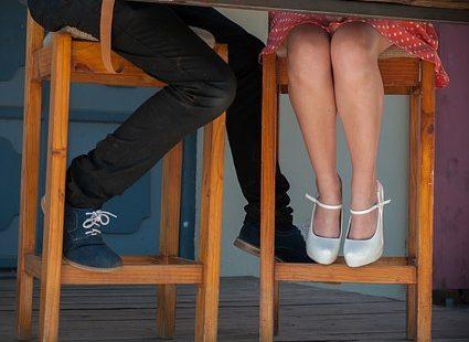 feet 1042336  340 425x310 - ¡Atención! Lo que debes y no debes hacer en una primera cita