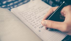 checklist 2589418 1920 290x166 - 5 Claves para cumplir tus Propósitos de Año Nuevo