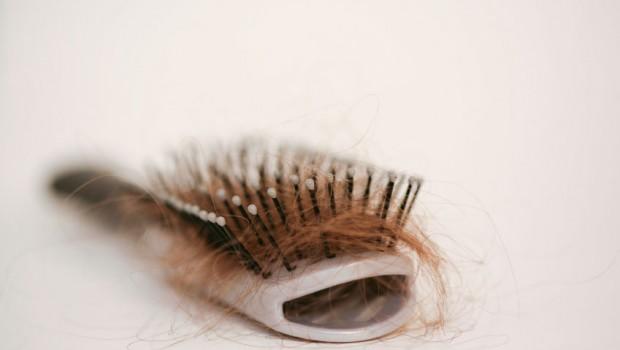 Como poner correctamente la máscara para los cabellos con el aceite