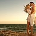 pareja_besándose