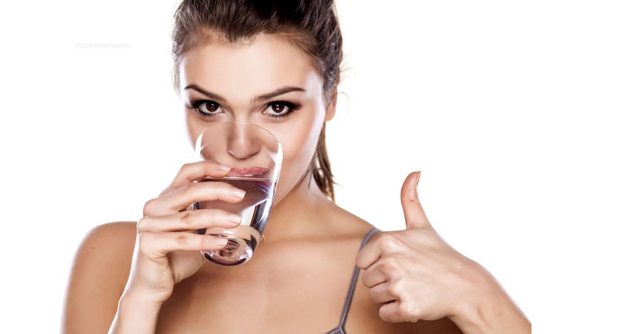 dietas-para-adelgazar-beber-agua-es-bueno
