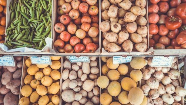ahorrar-dinero-alimentos-temporada-supermercado