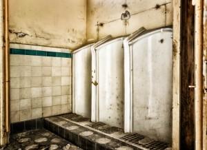 sexe-parafilias-salle de bain-sale-selles-urine