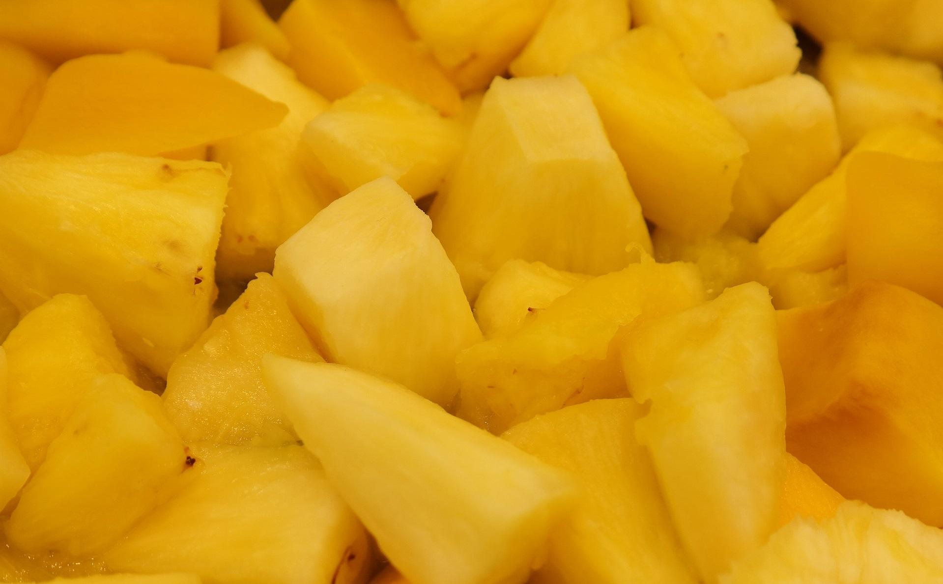 dieta-de-la-piña-cortada-fruta