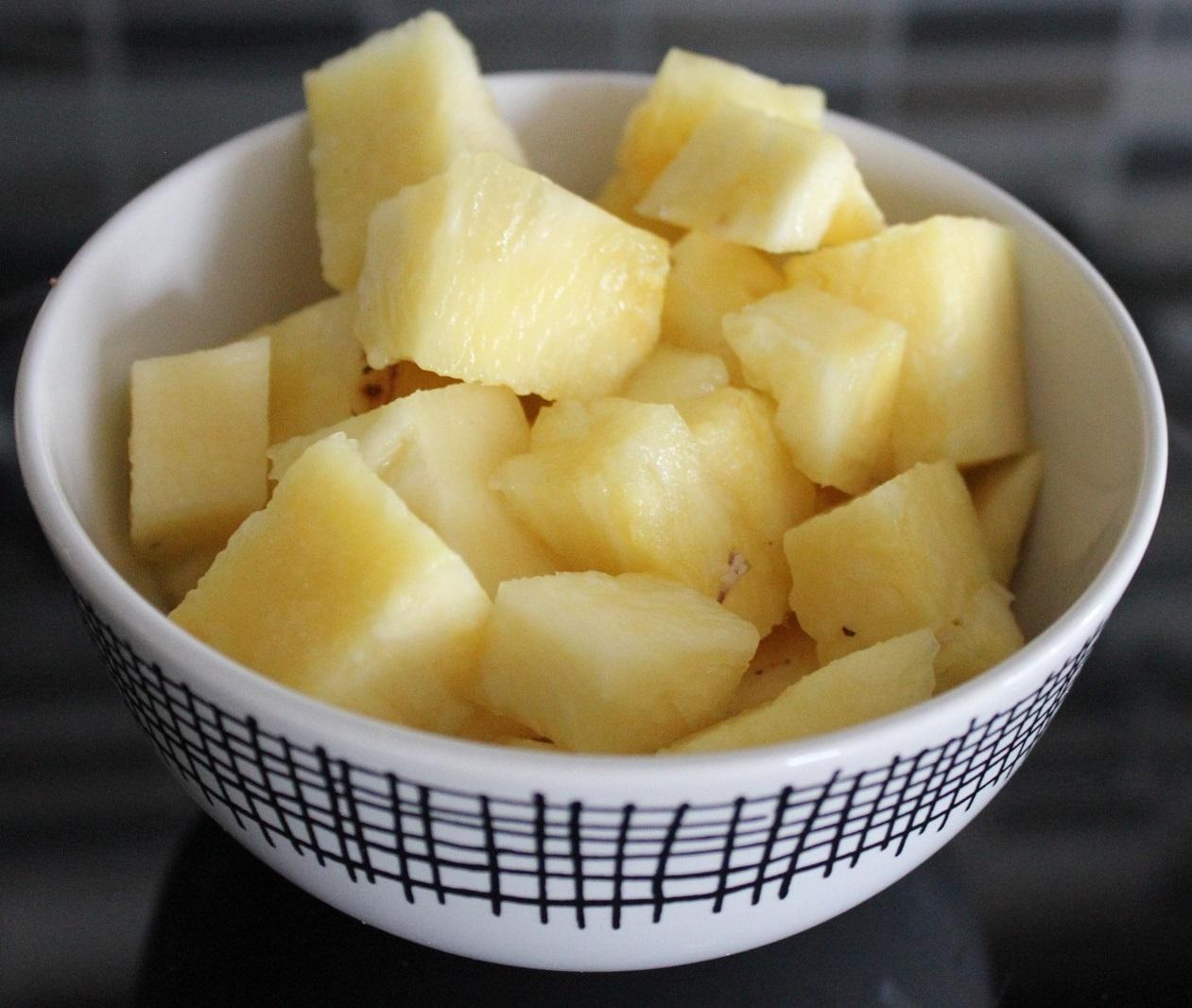 dieta-de-la-piña-cortada-tazon