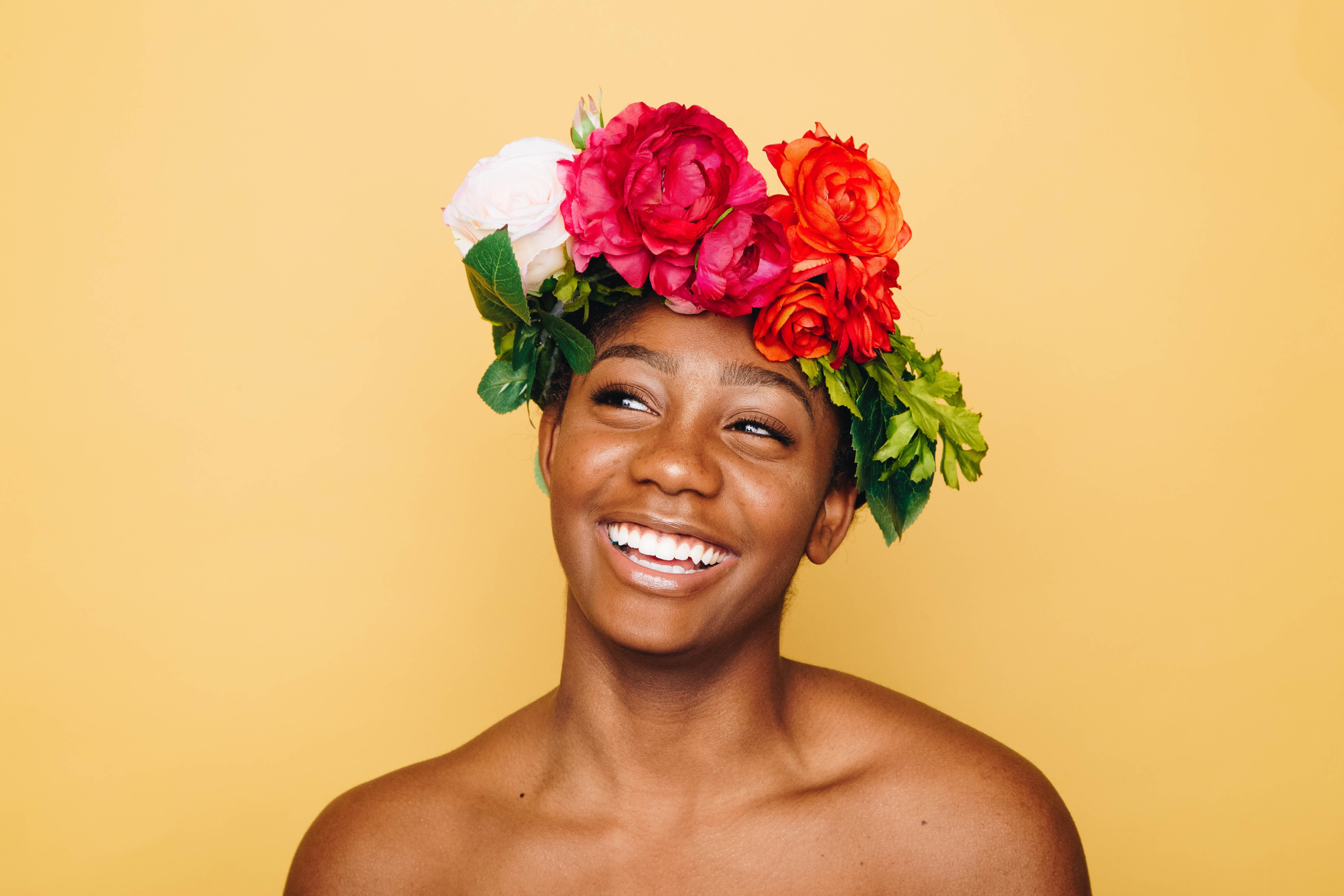 sonreir-mujer-sonrisa