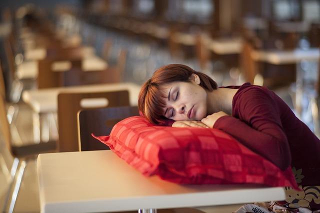 model 2373534 640 - Descansa estas vacaciones: los trastornos del sueño