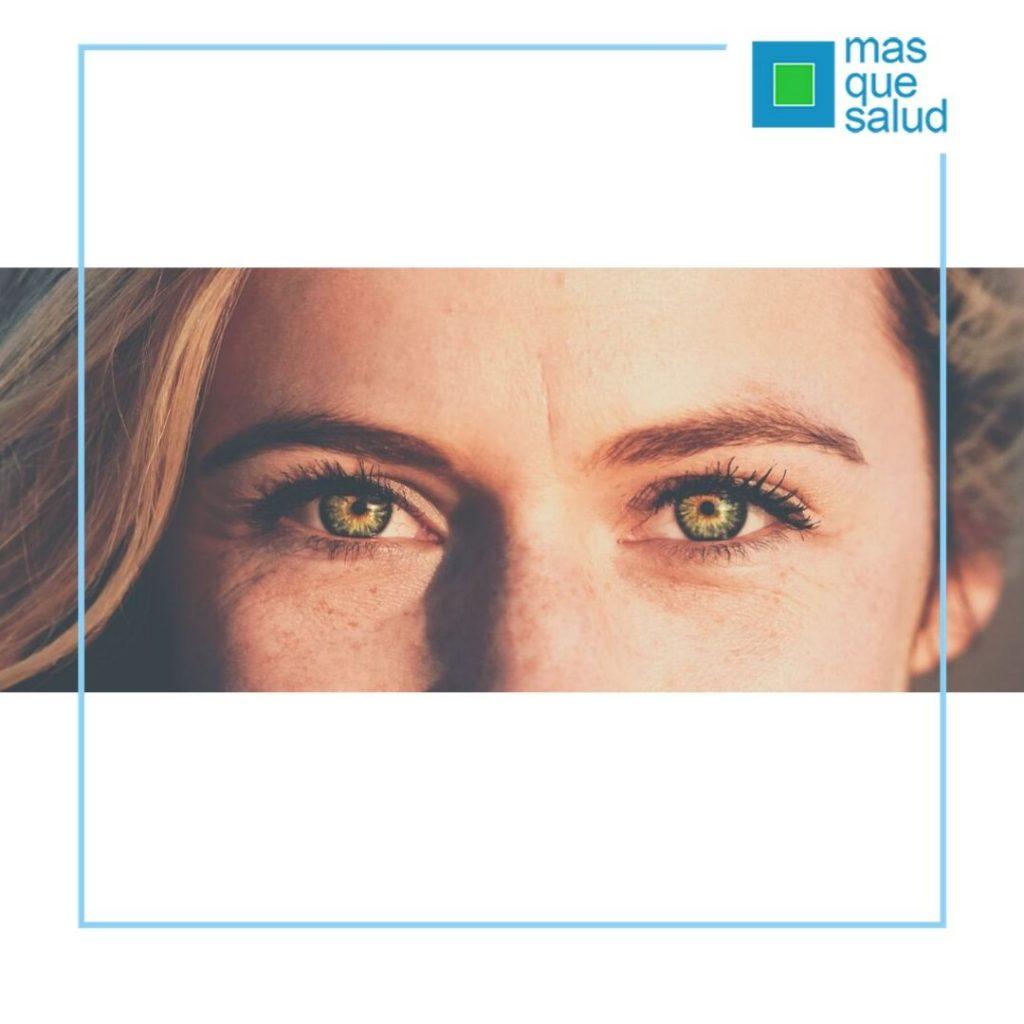 2 1 1024x1024 - Las 5 reglas definitivas para cuidar el contorno de ojos