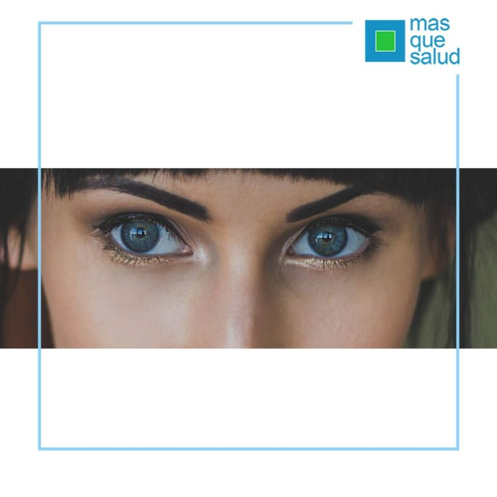 3 1024x1024 - Las 5 reglas definitivas para cuidar el contorno de ojos